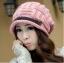 หมวกไหมพรมแฟชั่นเกาหลีพร้อมส่ง ทรงดีไซต์เก๋ แต่งเปียคาดด้านหน้า สีชมพู thumbnail 1