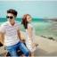 เดรสคู่รักเกาหลี แฟชั่นคู่รัก ชายเสื้อคอปกแขนสั้น หญิงเดรสคอปกแขนกุด สีขาวแต่งลาย +พร้อมส่ง+ thumbnail 2