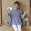 K114222 เสื้อคลุมท้องแฟชั่นเกาหลี โทนสีฟ้าสลับขาว thumbnail 4