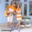 เสื้อคู่รัก ชายเสื้อยืดคอวี + หญิงเดรสคอกลม ลายส้มขาว แต่งลายดาวสีดำ +พร้อมส่ง+ thumbnail 4