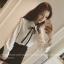 ้เสื้อแฟชั่นเกาหลี คอปกทรงเชิตแบบคอบัว กระดุมหน้า พร้อมโบว์ผูก สีขาวสุภาพ thumbnail 2