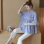 K114222 เสื้อคลุมท้องแฟชั่นเกาหลี โทนสีฟ้าสลับขาว thumbnail 2