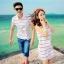 เดรสคู่รักเกาหลี แฟชั่นคู่รัก ชายเสื้อคอปกแขนสั้น หญิงเดรสคอปกแขนกุด สีขาวแต่งลาย +พร้อมส่ง+ thumbnail 1