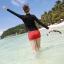 ชุดว่ายน้ำแขนยาว เสื้อสีดำ กางเกงขาสั้นสีแดงสวยๆ thumbnail 4
