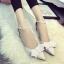 รองเท้าหนังสีขาวติดโบว์ thumbnail 3