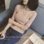เสื้อแฟชั่นเกาหลี แขนยาว ทรงเสื้อเข้ารูป คอปาด เนื้อผ้า cotton ยืด สีชมพู thumbnail 4