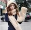 หมวกแฟชั่นเกาหลีพร้อมส่ง ทรงปล่อยยาวด้านข้างพันเป็นผ้าพันคอได้ด้วย นุ่มมาก สีครีม thumbnail 1