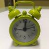 นาฬิกาปลุกจิ๋วๆ สีเขียว 4*6*1.8cm พร้อมถ่านกระดุม LR44