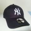หมวก NEW ERA 9Forty Cap NY สีกรมท่า รุ่นใหม่ สติกเกอร์เทาเงิน