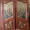 ประตูไม้สักกระจกนิรภัยปีกนก แกะดอกไม้ลายไทย NNA15