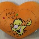 หมอนรูปหัวใจสีน้ำตาล (45cm)