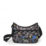Lesportsac Classic Hobo Chalkboard Snoopy Limited กระเป๋าสะพายขนาดกำลังเหมาะ ขนาด 9 x 12 x 5.25 นิ้ว