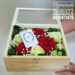 กล่องดอกไม้ พรีเมี่ยม กล่องไม้กระจกใส