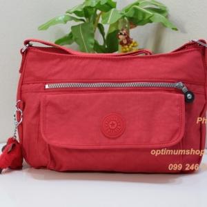Kipling Syro Cardinal Red กระเป๋าสะพายข้าง ทรงสวย เหมาะกับสาวหวานๆ ขนาด 31 L x 22 H x 12.5 W cm
