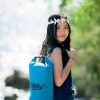ชุด Set ซองกันน้ำมือถือใหญ่ (5.5 นิ้ว) สีฟ้า + กระเป๋ากันน้ำ Penguin Bag ขนาด 10 ลิตร สีฟ้า